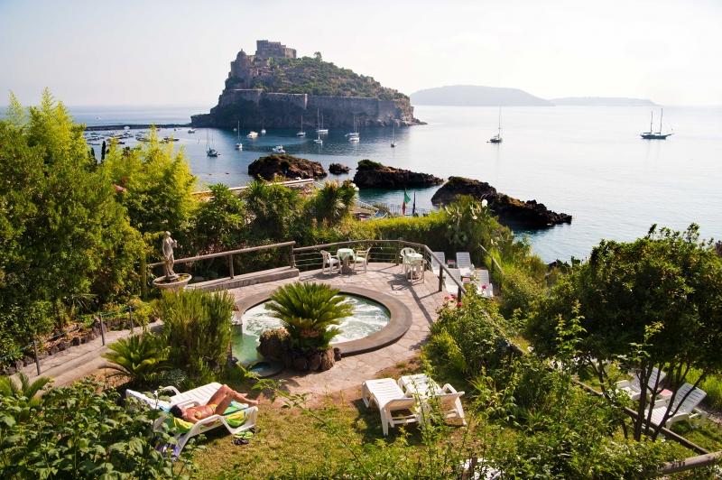 Ck fip tour taliansko ostrov ischia ischia - Hotel giardino delle ninfe e la fenice ...